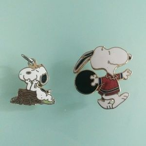 Snoopy jewelry set pin and charm bowling vintage